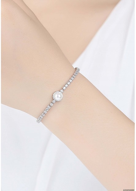 Sleek Minimalist Shell Beads Bracelets